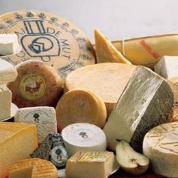 Piazza Vecchia, trionfo dei formaggi «Bergamo può essere capitale mondiale»