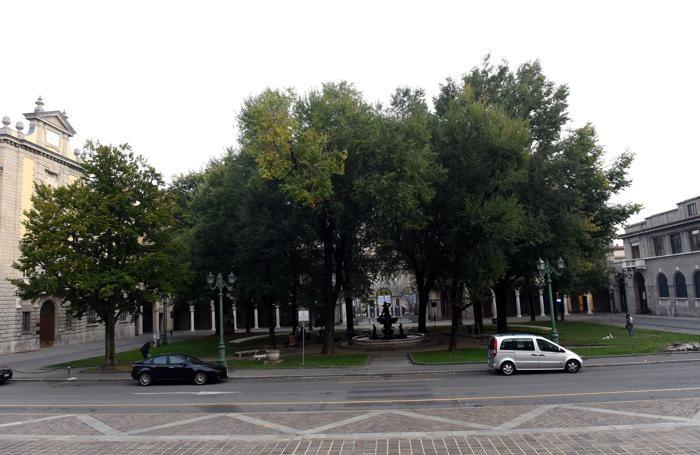 Piazza Dante nel 2017