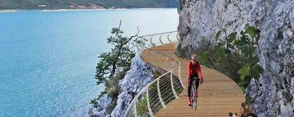 La ciclabile del Garda a tutta velocità Dicono sarà la più spettacolare d'Europa