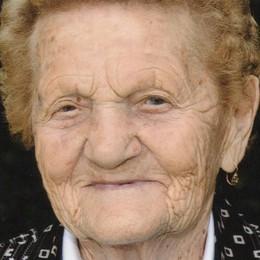 «Mentina» 104 anni, se ne va con il sorriso «Mai preso una medicina nella sua vita»