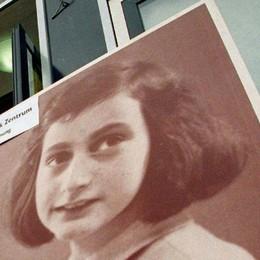 Il sorriso di Anna Frank più forte dell'idiozia