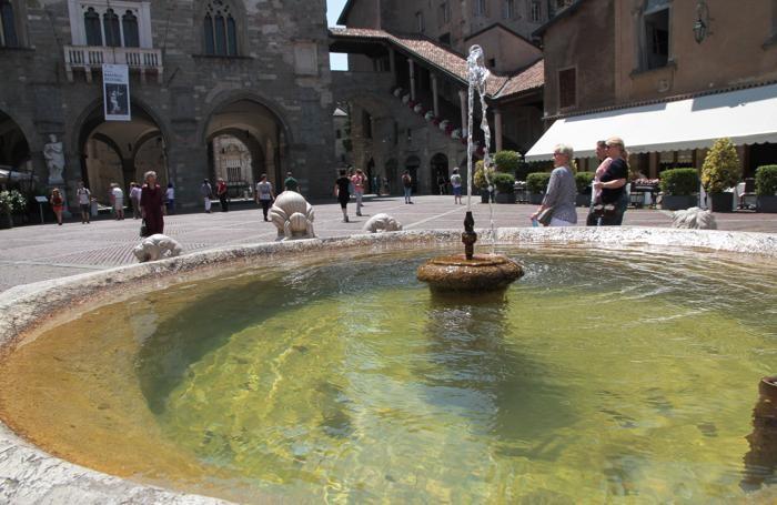 fontana contarini in piazza vecchia a Bergamo