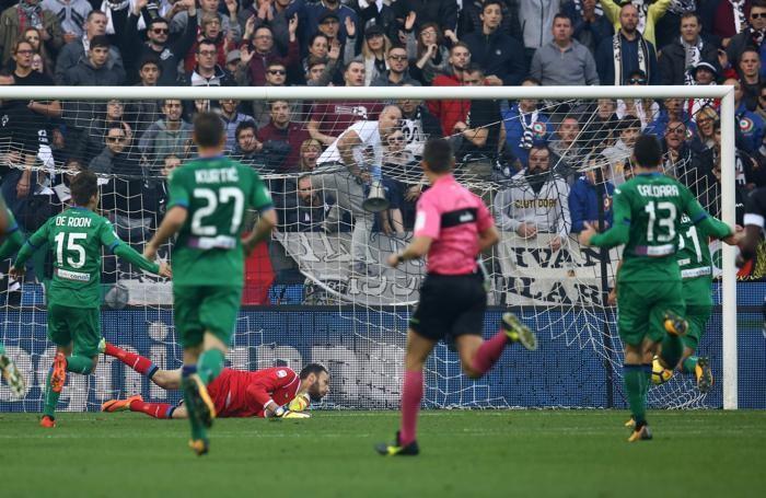 Serie A TIM 2017-18 giornata 11 udinese - atalanta parata di berisha etrit e deviazione sul palo