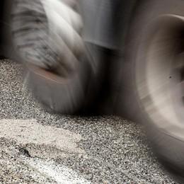 Asse interurbano, slalom tra le buche L'inchiesta de L'Eco sulle nostre strade