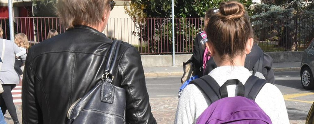 «Non si esce da scuola senza genitori» Altri presidi preparano il divieto