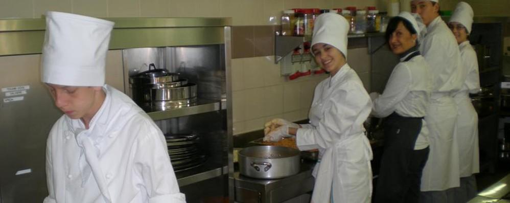 San Pellegrino, Nembro e Galli Studenti in cucina con gli chef