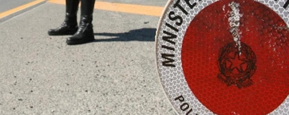 A 160 all'ora contromano in autostrada vittima di una delusione d'amore