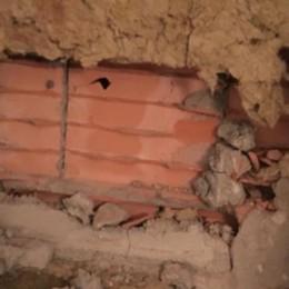 Giù il muro, rubata la cassaforte Colpo grosso di tre ladri a Lallio
