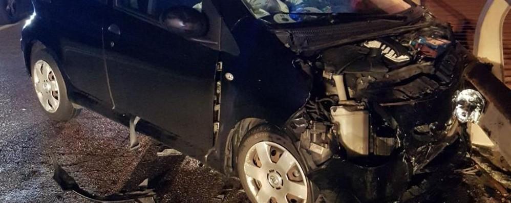 Schianto alle 5 del mattino a Gazzaniga Cinque feriti, due sono gravi - Foto