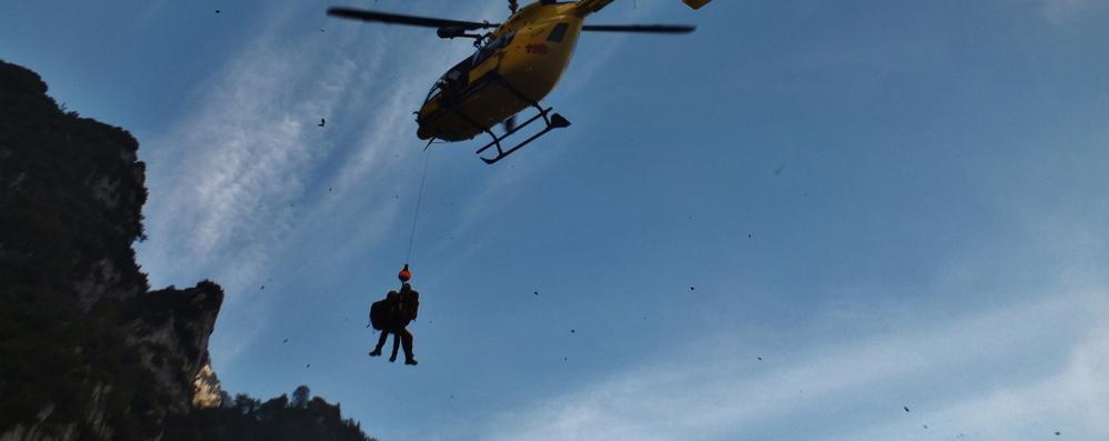 Volo di 20 metri per una bimba di 4 anni Ricoverata in ospedale a Bergamo