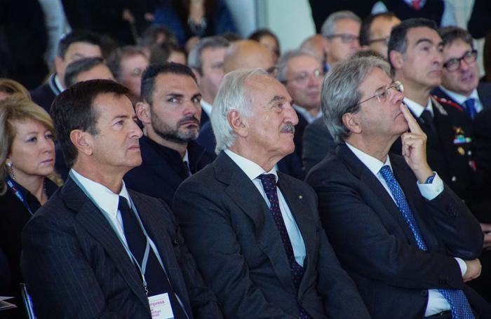 Da destra, Paolo Gentiloni, Alberto Bombassei e Giorgio Gori