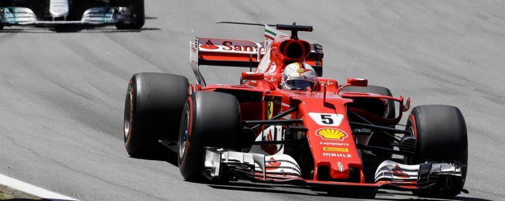 F1, in Brasile trionfa Vettel Grande rimonta di Hamilton 4°