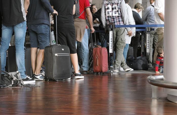 aeroporto di orio al serio - coda di passeggeri