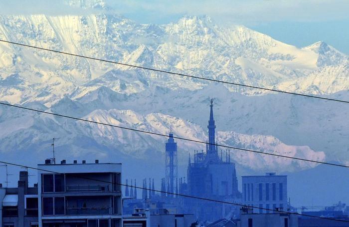 Montagne innevate intorno a Milano