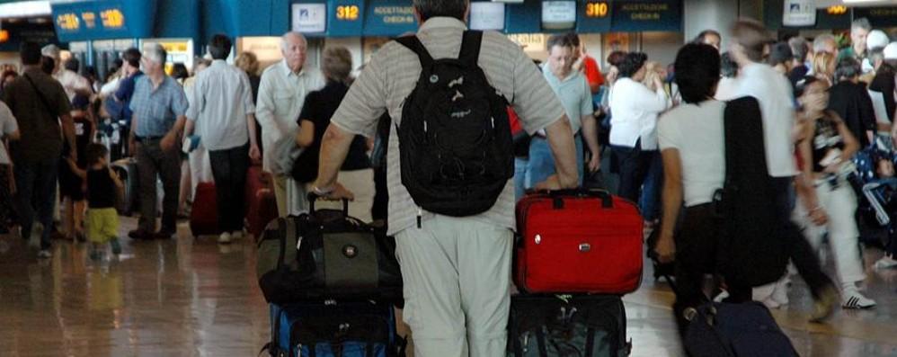 Alghero, malore in aeroporto Muore uomo diretto a Bergamo