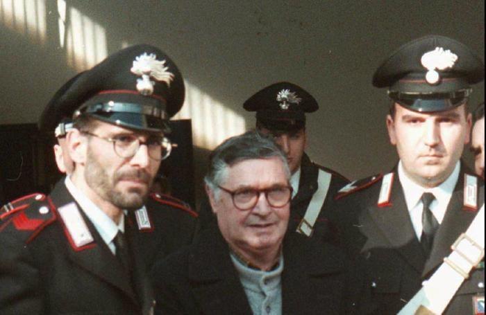 FILE - In this Jan. 16, 1996 file photo, Mafia ''boss of bosses'' Salvatore ''Toto'' Riina,]