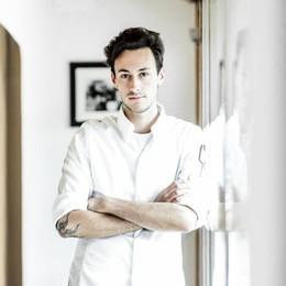 Michele, giovane chef bergamasco nello staff del nuovo Tre Stelle Michelin
