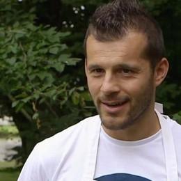 Bake Off parla bergamasco Carlo vola in semifinale