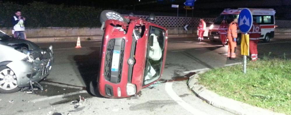 Scontro tra auto e ribaltamento Curno, cinque donne ferite