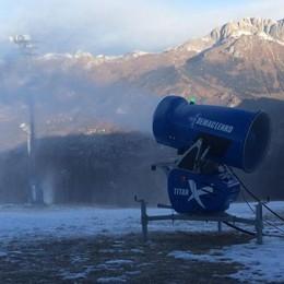 Ancora alta pressione su Bergamo Al Monte Pora si spara la neve - Foto