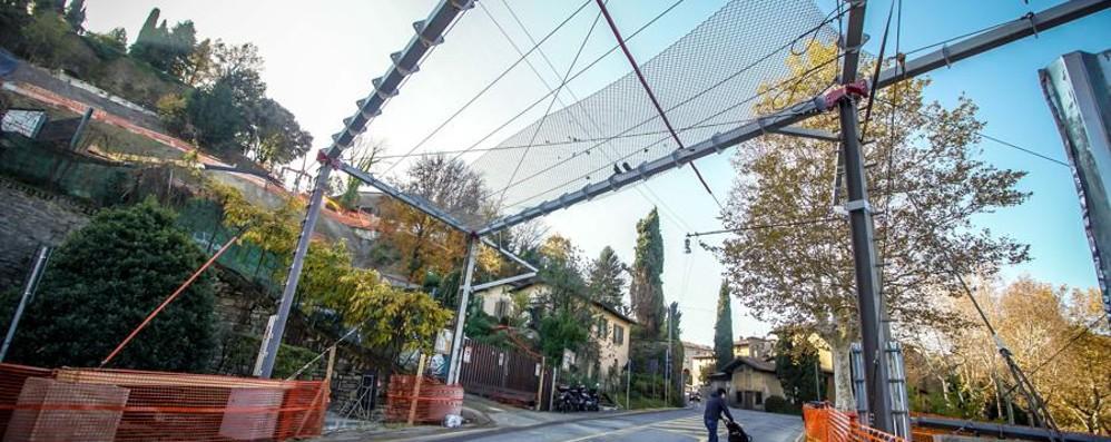 Ex Faunistico, ecco la teleferica Gigante di metallo con pali da 27 metri