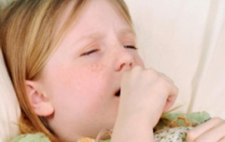 Il bambino ha la tosse? Prima della terapia capire la causa
