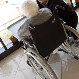 Bonus da 1.000 euro per gli anziani In arrivo «sconti» per le case di riposo