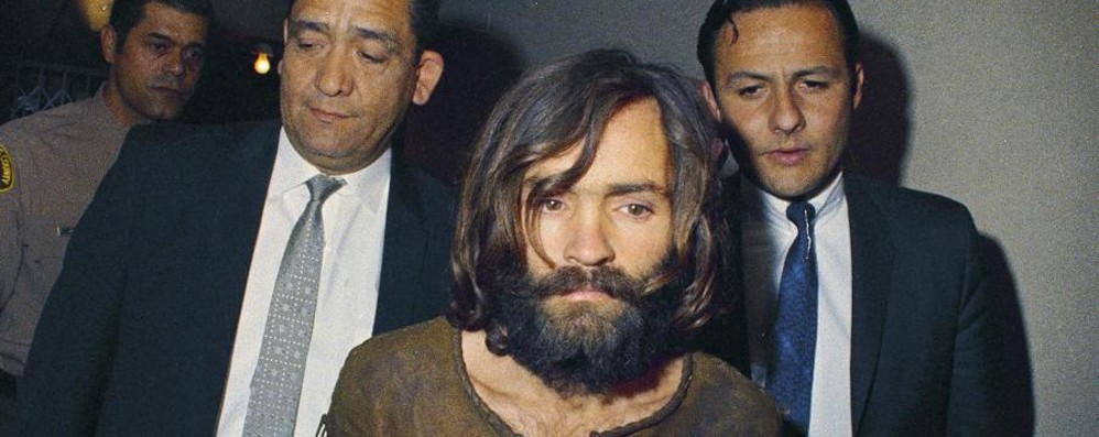 È morto Charles Manson  serial killer che sconvolse l'America
