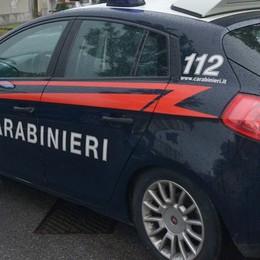 Bimbo trovato da solo per strada Carabinieri di Trezzo rintracciano i genitori
