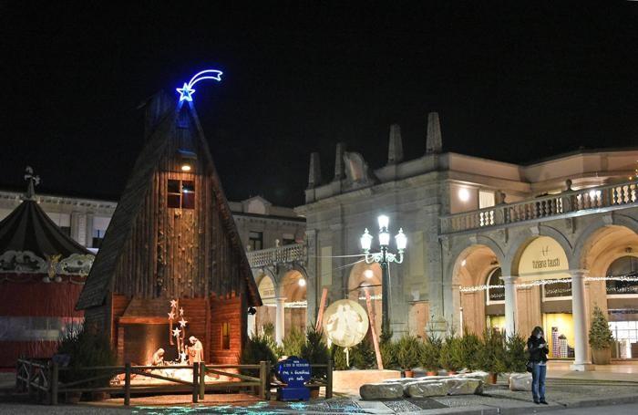 Capanna de L'eco di Bergamo sul sentierone di sera