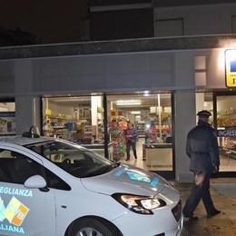 Bergamo, tentata rapina al market Ferito un dipendente in via Maffei
