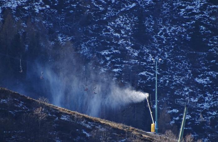 La Neve In Montagna Ma Non Basta E Il Forte Vento Spazza Via Le
