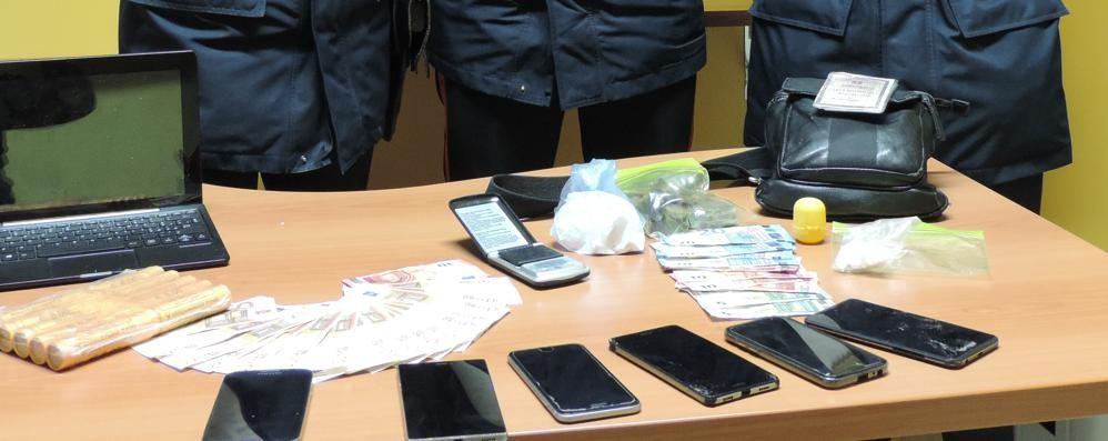 «Deposito dello spaccio» a Urgnano  Droga anche nelle scarpe: 3 arresti