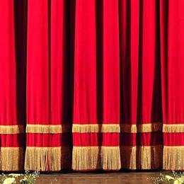 Allacciate le cinture, siete a teatro A Bergamo la safety card antimaleducati