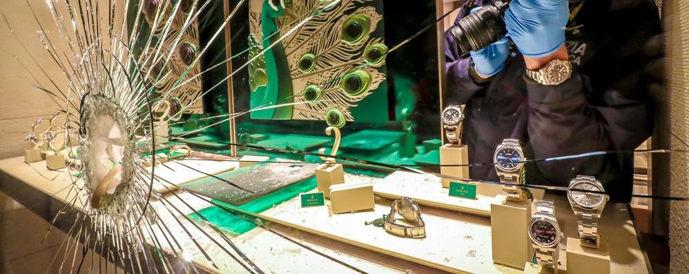 Furti e spaccate nei negozi Bergamo nella top ten dei bottini