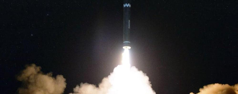 Il mondo in equilibrio sull'incubo nucleare