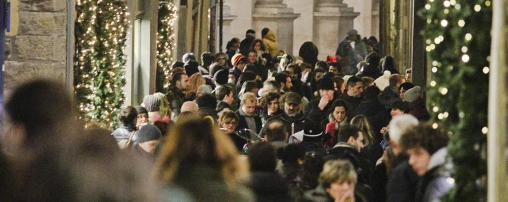Stasera Notte Bianca in Città Alta Fino a mezzanotte celebrando Donizetti