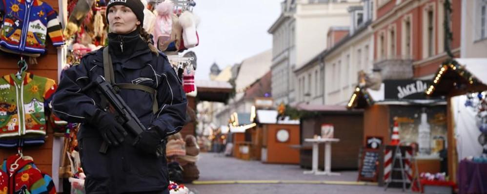 Pacco sospetto al mercatino di Natale Germania, trovato materiale esplosivo