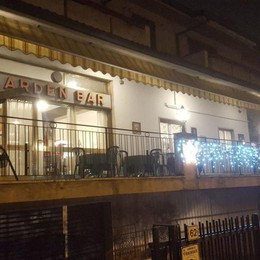 Spaccata al bar a colpi d'ascia Ladri messi in fuga dal titolare