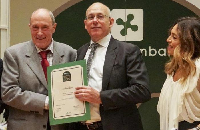 Cornelio Zatti premiato in Regione con il riconoscimento di negozio storico