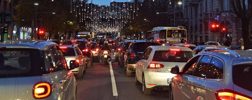 Parcheggi e biglietto giornaliero scontato Natale, ecco le proposte Atb anti code