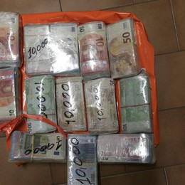 Nell'auto un doppio fondo con la droga Tre arresti e 180 mila euro confiscati