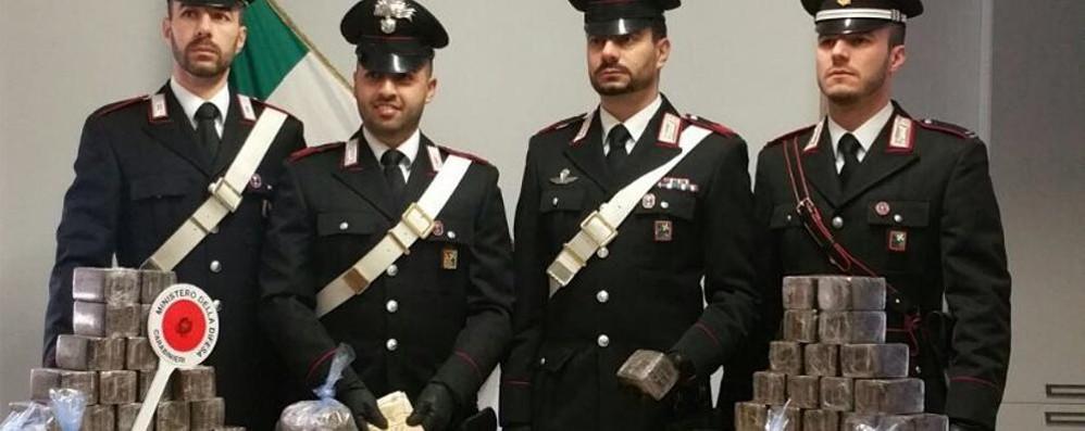 Sequestrati 64 chili di hashish in una casa di Torre Pallavicina