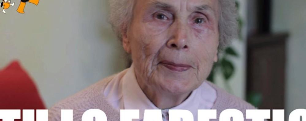 Due chiacchiere o un caffè con gli anziani Cercansi volontari: «Tu lo faresti?»