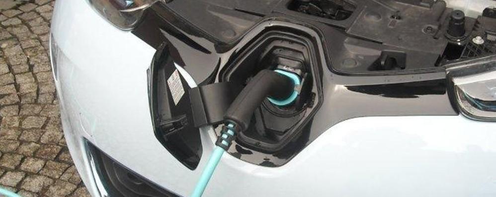 Auto elettrica, nuovi incentivi Fino a 1.500 per un punto ricarica