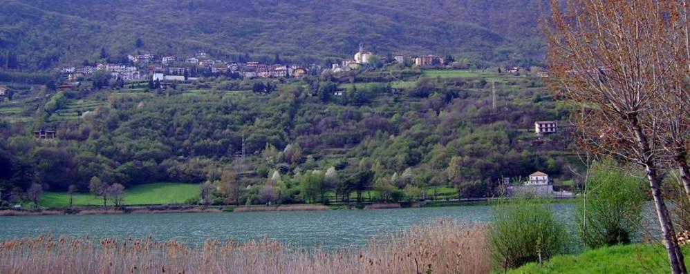 Lago di Endine, prolifera il canneto Dalla Regione 75 mila euro per ripulirlo