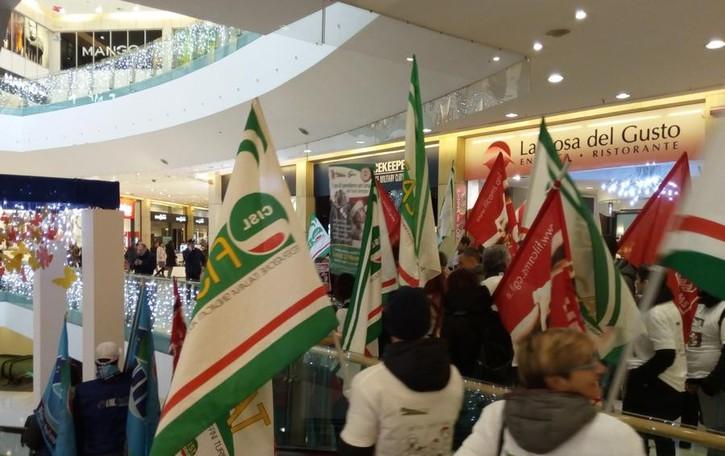 Sindacati, Camusso su Oriocenter:  «Cgil vicina ai lavoratori che protestano»