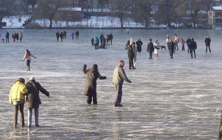 Il lago d'Endine e il rischio ghiaccio In arrivo la segnaletica di pericolo