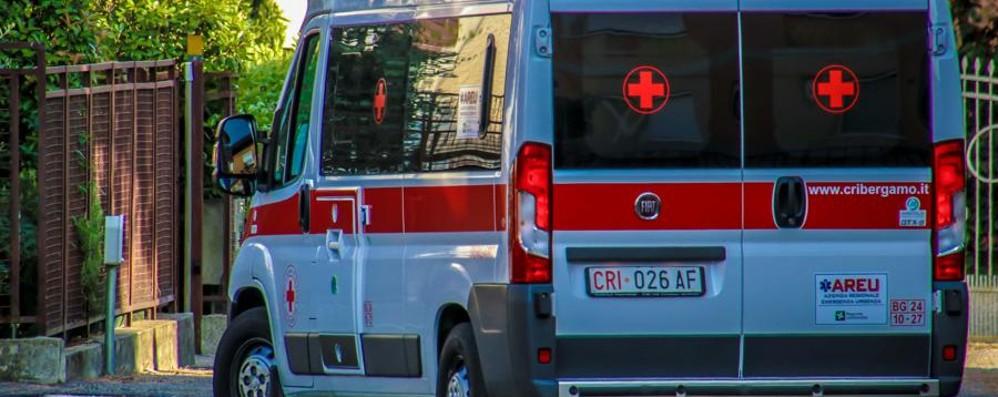 Dalmine, 81enne investita da un uomo di 87 anni in auto