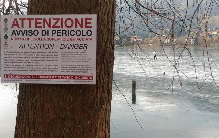 Niente «divieto» solo «attenzione» E c'è già chi pattina sul lago ghiacciato